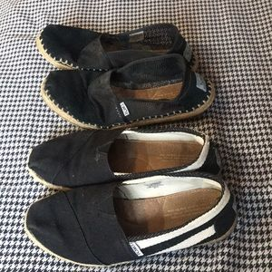 Lot of 2 Toms Shoes